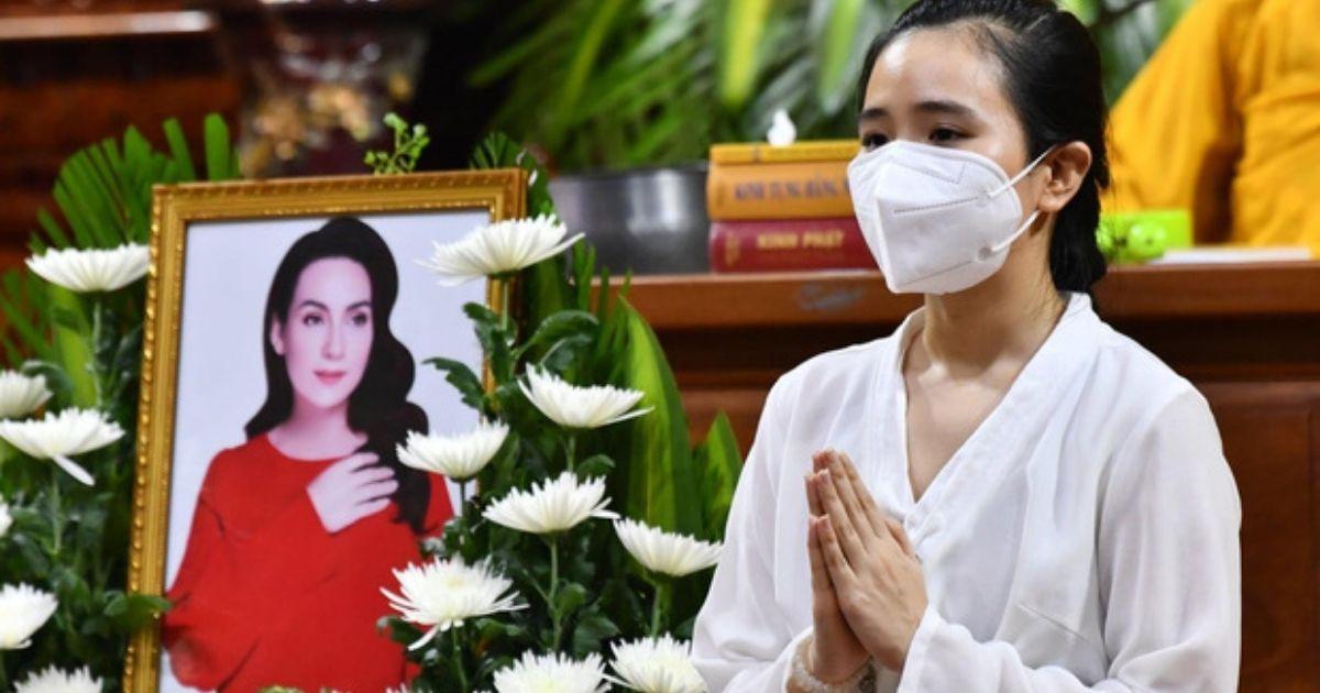 Lễ cầu siêu cho cố CS Phi Nhung: Thanh Lam, Phương Thanh cùng nhiều nghệ sĩ, khán giả xót xa