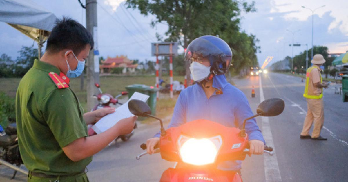 Từ 1-10, người dân TP.HCM ra đường không có lý do chính đáng vẫn bị xử lý