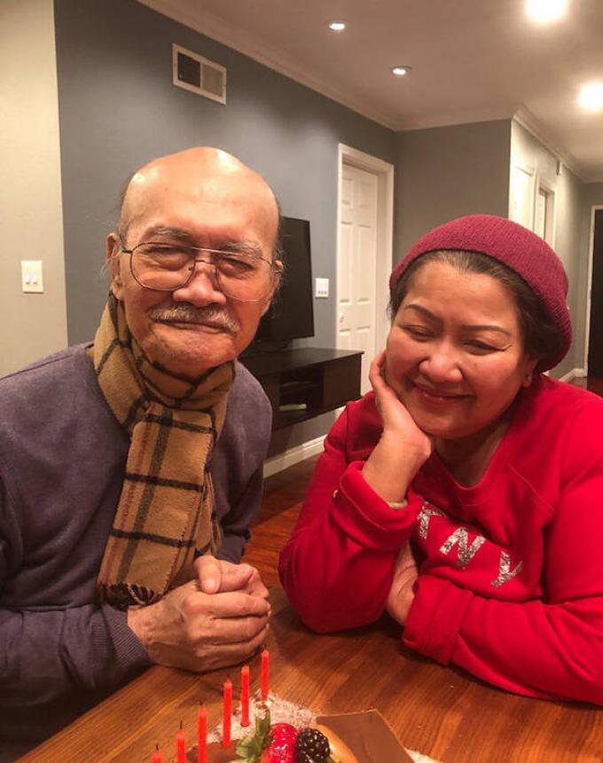 Nghệ sĩ cải lương Diệp Lang phong độ ở tuổi 80, hạnh phúc trong lễ mừng thọ