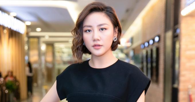 Vướng báo cáo bản quyền, loạt MV cover hit Lady Gaga của Văn Mai Hương bị xóa sổ, Hòa Minzy cũng liên lụy?