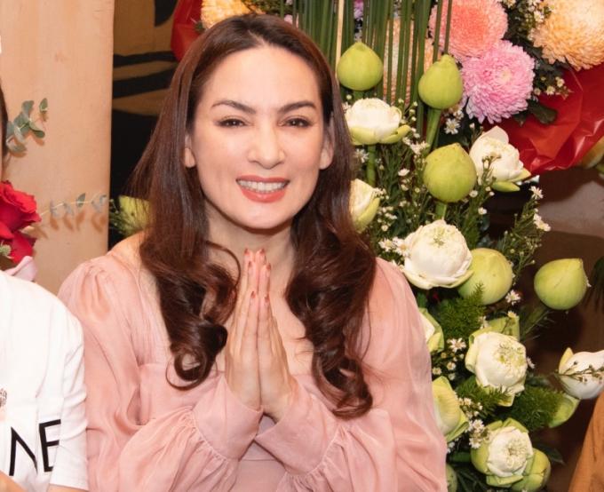 Phi Nhung đang nằm viện, nhiều sao Việt vội vã đăng tin nữ ca sĩ qua đời!