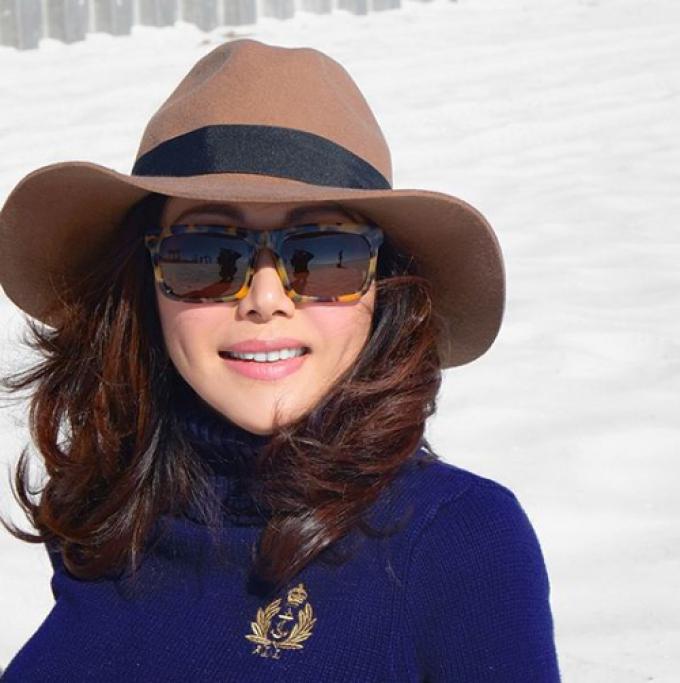 Mẹ của NTK Lý Quý Khánh sở hữu nhan sắc không tuổi, phong cách quý phái khiến fans ngưỡng mộ