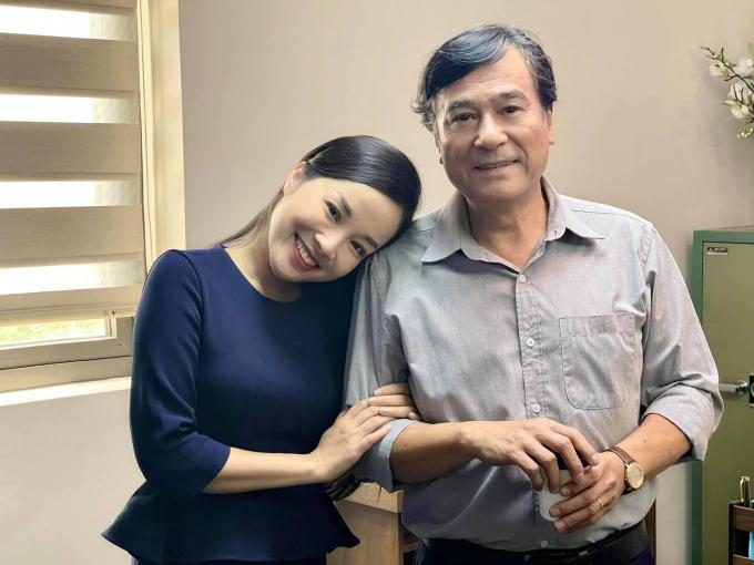 Những cặp đôi đảo chiều từ bố con thành người yêu trên màn ảnh Việt
