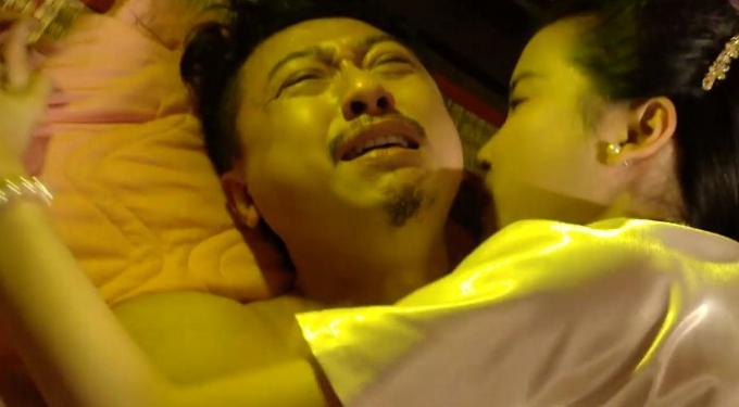 Lâm Vỹ Dạ phản ứng bất ngờ khi ngồi xem cảnh quay siêu khó của Hứa Minh Đạt với bạn diễn nữ