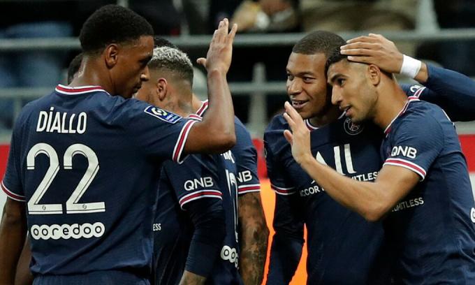 Mbappe lập cú đúp trong trận ra mắt của Messi