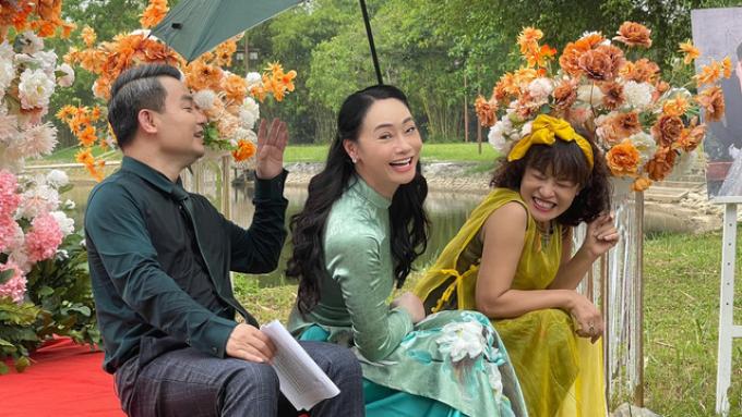 Dàn diễn viên tưng bừng lên đồ đi dự đám cưới Nam-Long
