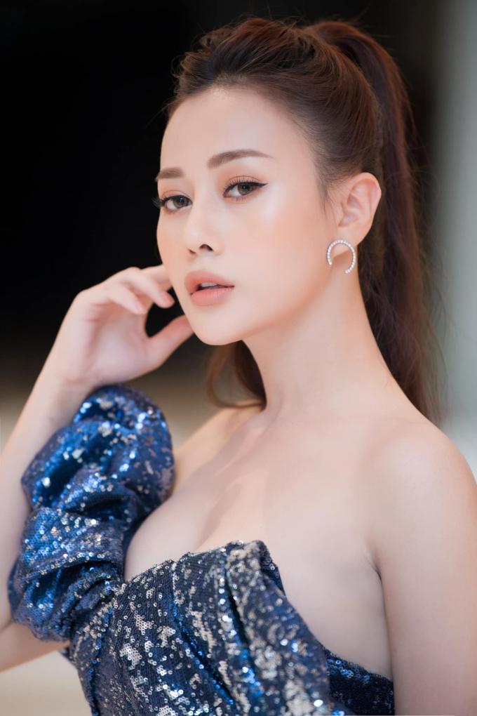 Phương Oanh hé lộ hình mẫu dâu cả nhà họ Hoàng, bản lĩnh chị đại trước ngàn sóng gió