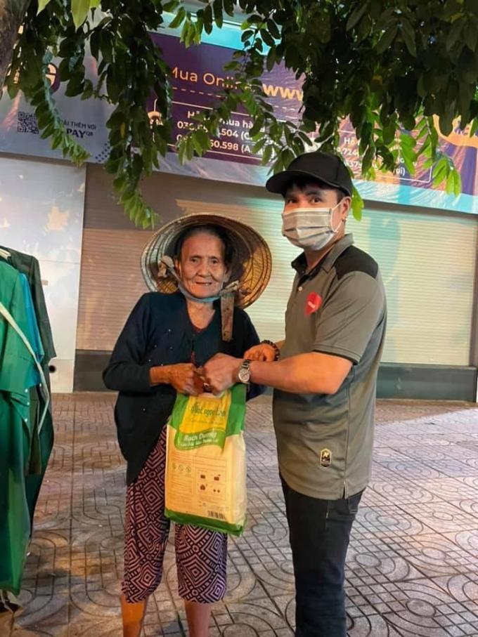 Ca sĩ Lương Gia Huy ra mắt MV đầy cảm xúc Sài Gòn ơi, dậy đi, cổ động tinh thần chống dịch