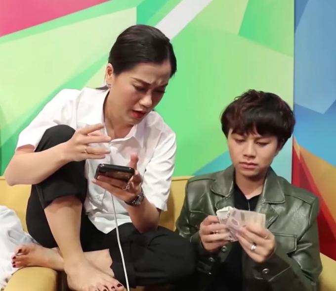 Khi Lâm Vỹ Dạ add friend đồng nghiệp: Đàn em phải tốn 15k, gặp thần tượng thì chồng gọi cũng chẳng màng