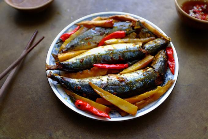 Cá nục, cá cơm, cá thác lác... rim - kho - làm chả không chán mỗi ngày