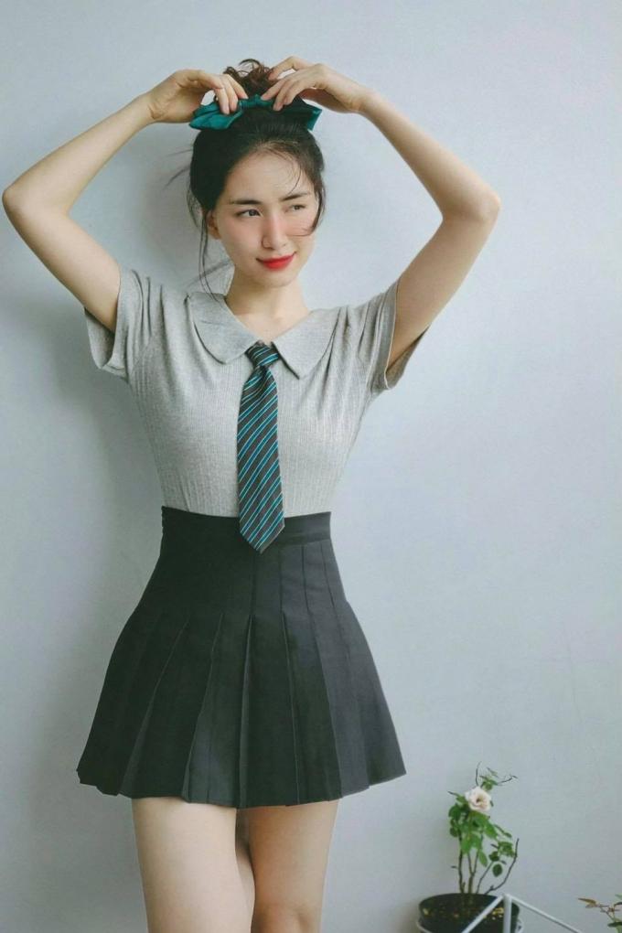 Hòa Minzy mua hàng online và cái kết mỹ mãn, fans khen: Quá trẻ đẹp, gái một con, trông mòn mắt