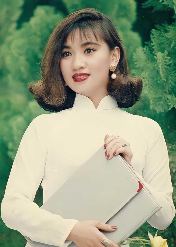 Cuộc sống hiện tại của Y Phụng - diễn viên quyến rũ nhất thập niên 90, từng khiến Lý Hùng say đắm