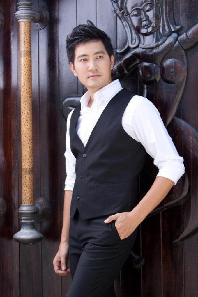Cuộc sống của ca sĩ Nguyễn Phi Hùng ở tuổi 44: Có cơ ngơi đáng ao ước nhưng vẫn chưa lập gia đình