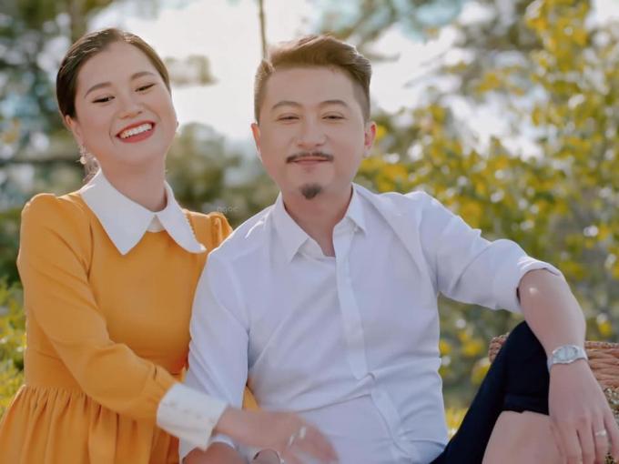 Hứa Minh Đạt lo sốt vó khi Lâm Vỹ Dạ không nói chuyện cả tuần: Bị ghiền, vợ phải càm ràm mới chịu