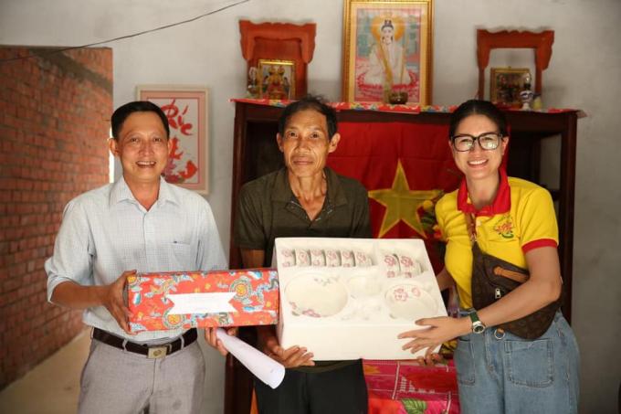 Sau Trấn Thành, đến Trang Trần tung sao kê vì bị đồn ăn chặn 100 tỷ, rút lui sau 3 tháng từ thiện