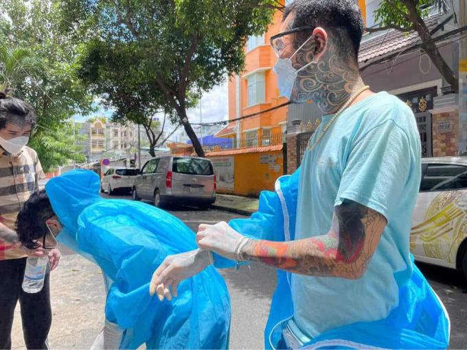Nhóm thiện nguyện xăm trổ: Mặc kệ kỳ thị chúng tôi vẫn muốn làm người tử tế