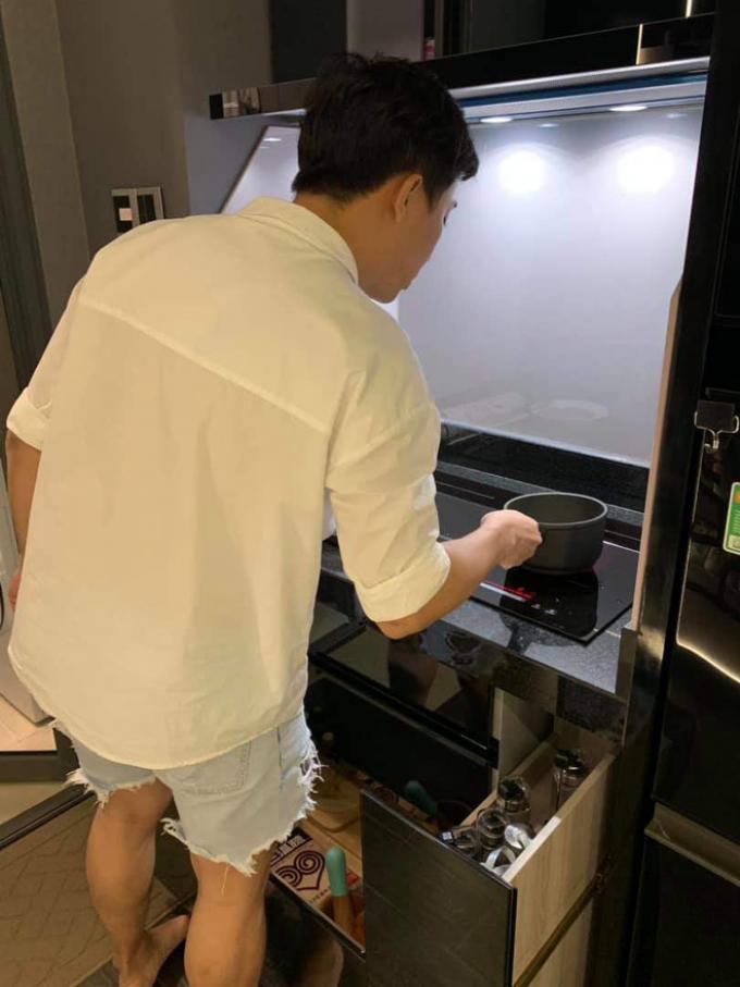 6 ngày im ắng sau ồn ào sao kê, Trấn Thành làm điều ngọt ngào này để bù đắp cho Hari Won