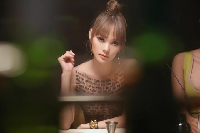 Hai lần Minh Hằng được truyền thông quốc tế khen ngợi: xinh đẹp lại đa tài bảo sao fan không mê mẩn