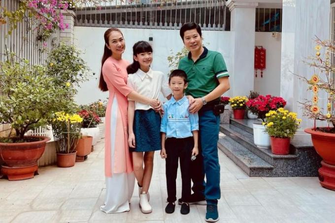 Bộ đôi Tam sao thất bản sau 15 năm: Thanh Thảo hạnh phúc viên mãn, Quyền Linh là MC giàu nhất Việt Nam
