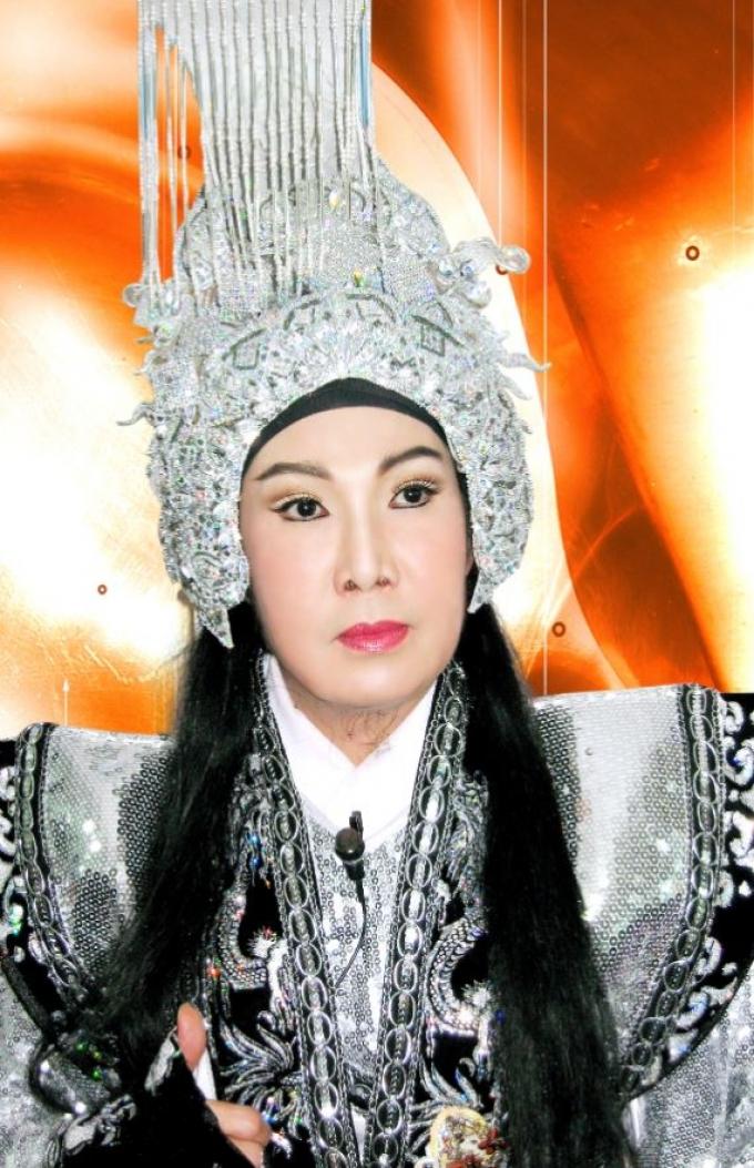 Việt Trinh khoe ảnh hiếm với ông hoàng cải lương Vũ Linh: Sau hàng chục năm, cả hai có gì thay đổi?