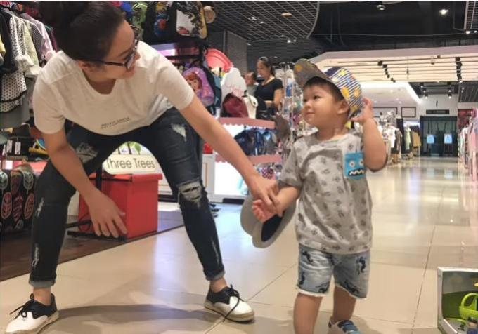 Nhật Kim Anh khóc vì nhớ quý tử trong ngày sinh nhật: Chưa bao giờ mẹ quên đứa con rứt ruột đẻ ra