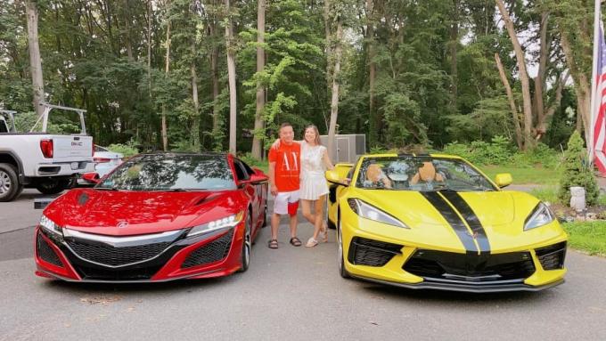 Phạm Thanh Thảo sống hạnh phúc, bình yên tại Mỹ: Gia đình không bận tâm tiền bạc, có dàn xe hơi siêu xịn