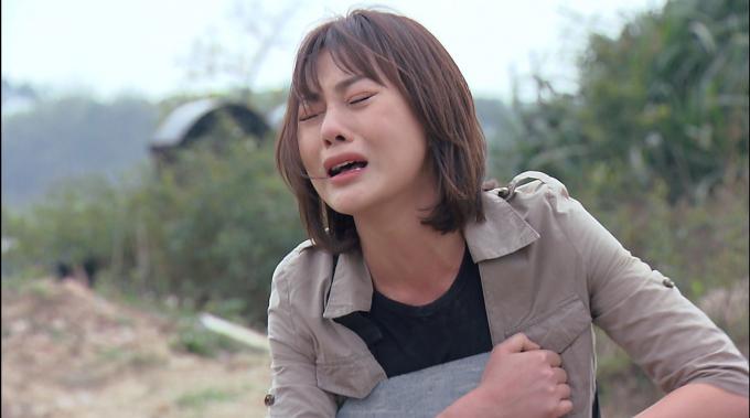 """Những cảnh phim khiến Phương Oanh phải đong nước mắt bằng lít trong """"Hương vị tình thân"""""""