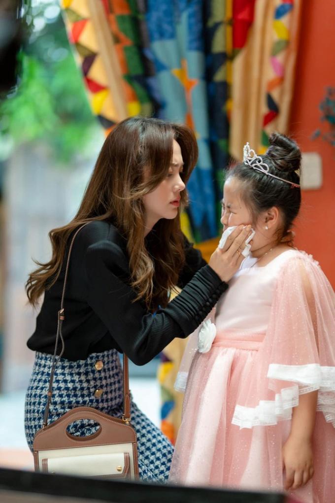 """""""Mẹ ác ma, Cha thiên sứ"""" - phim mới của Minh Hằng có gì hấp dẫn?"""