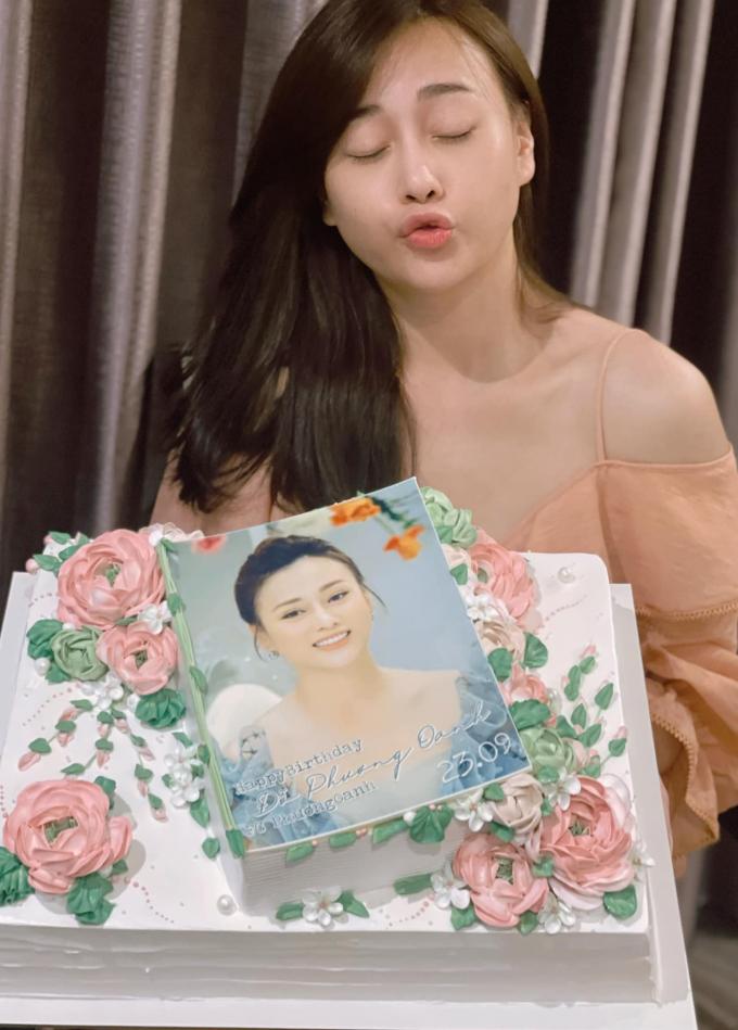 Phương Oanh rạng rỡ đón sinh nhật tuổi 32, trưởng thành là khi mỹ nữ thành khúc giò