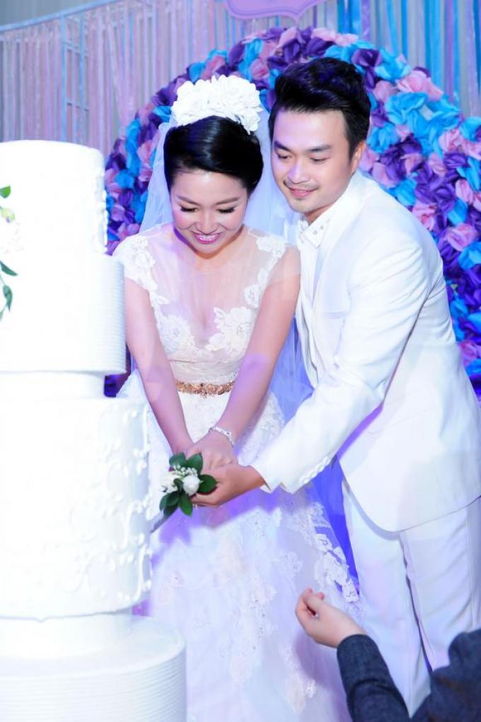 Hạnh phúc tuổi 40 của Lê Khánh: Sự nghiệp thăng hoa, cùng ông xã đồng hành hơn 20 năm chăm sóc quý tử