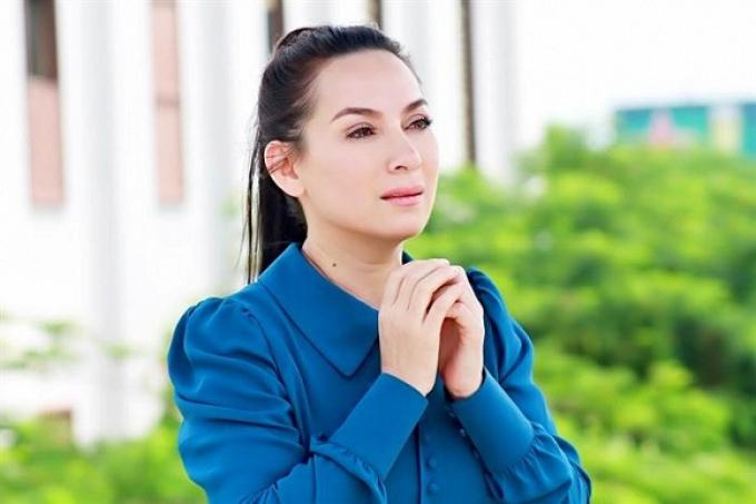 Người thân xác nhận sức khỏe Phi Nhung chuyển biến xấu, dàn sao Việt đồng loạt cầu nguyện trong đêm