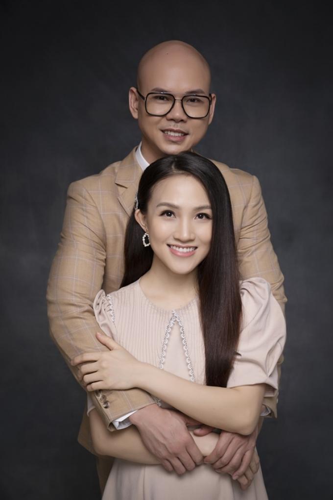 Phan Đinh Tùng và vợ yêu từ MV ra đời thực, 10 năm xây tổ ấm hạnh phúc cùng 2 thiên thần nhỏ
