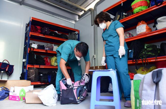 Chùm ảnh: Căn phòng kỷ vật của bệnh nhân mất vì Covid-19, mẹ ơi cố lên nhưng người đã không còn
