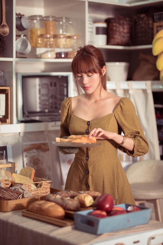 Minh Hằng bày cách giữ dáng gọn eo thon nhờ... nấu ăn