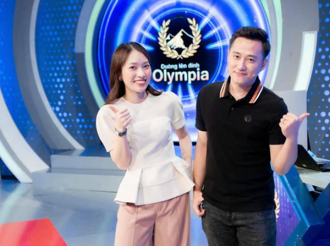 MXH bùng nổ khi Khánh Vy chính thức trở thành MC Đường Lên Đỉnh Olympia