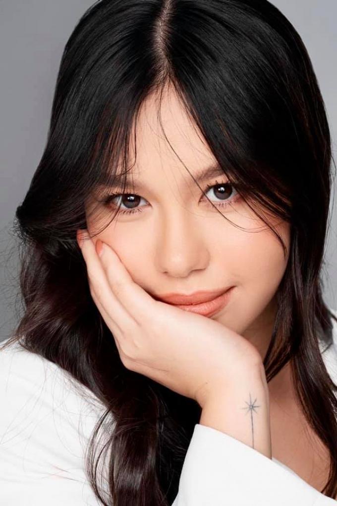 2 ái nữ tài sắc vẹn toàn của diễn viên Diễm My 6x: Xinh đẹp hơn người, thành tích học tập ấn tượng