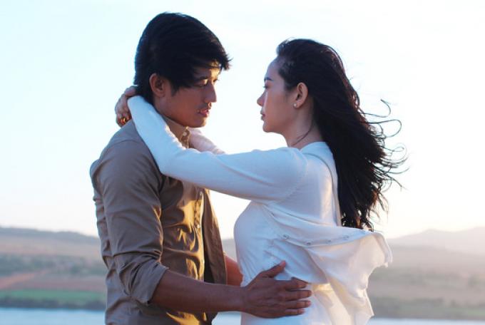 Những nụ hôn ngọt lịm tạo nên bước ngoặt cho sự nghiệp diễn xuất của Minh Hằng