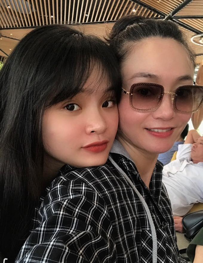 Chân dung con gái Quách Thu Phương: nói được 3 thứ tiếng, một mình đi 5 nước châu Âu với 1000 USD
