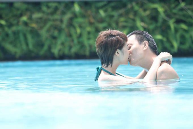 Hậu trường bất ngờ của cảnh hôn lãng mạn trên phim Việt