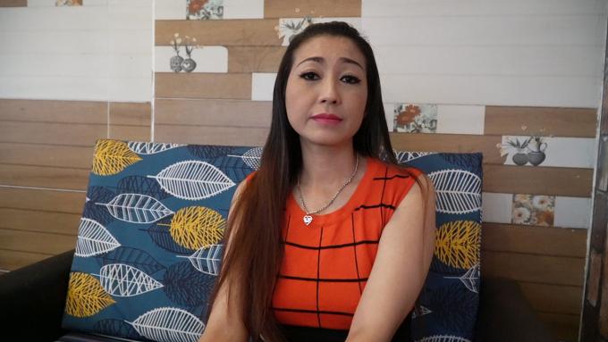 """NS Hoài Linh im ắng trước tin buồn, nữ ca sĩ tự nhận là vợ nghẹn ngào tiễn biệt """"bố chồng"""""""