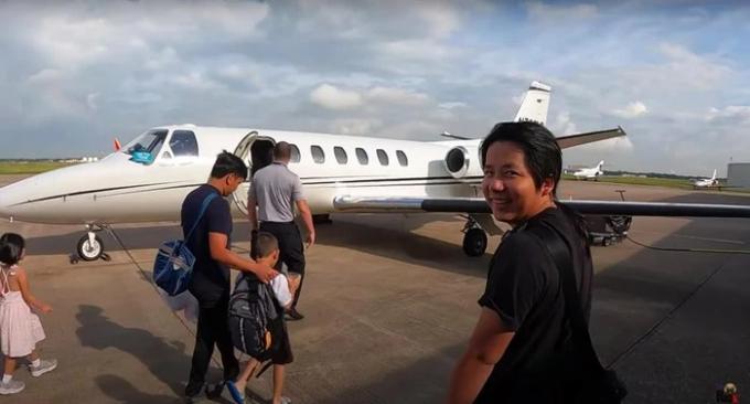 Triệu phú USD chơi lớn thuê máy bay 300 triệu/giờ đưa gia đình du ngoạn tại Mỹ