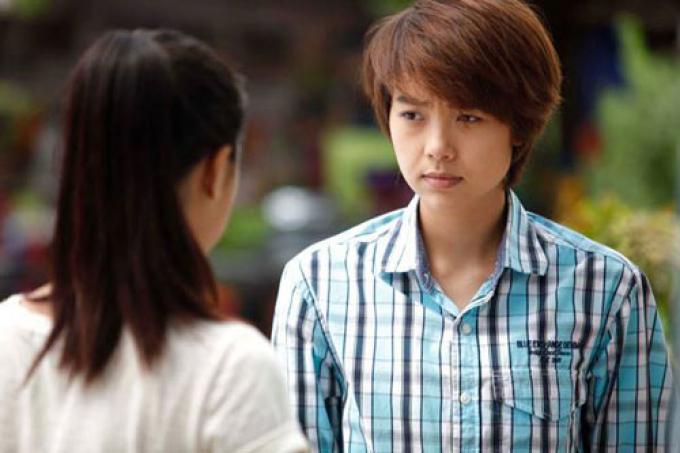 Lên phim long lanh là thế nhưng Minh Hằng không ít lần phải khóc thét ở hậu trường