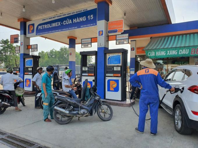 Giá xăng dầu lại tiếp tục tăng, cao nhất trong 7 năm qua