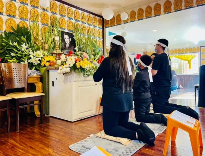 Thúy Nga nghẹn ngào vì 1 điều khi gặp con gái Phi Nhung, quyết định đến viếng đồng nghiệp hàng tuần