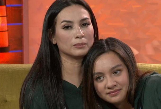Con gái Phi Nhung nói sự thật về mẹ, cảnh báo có người lợi dụng cố ca sĩ để lừa đảo, xin tiền