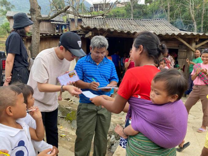 Đông Nhi bị réo tên vì chuyện quyên góp tiền từ thiện: Đã minh bạch thu chi hay có gì khuất tất?