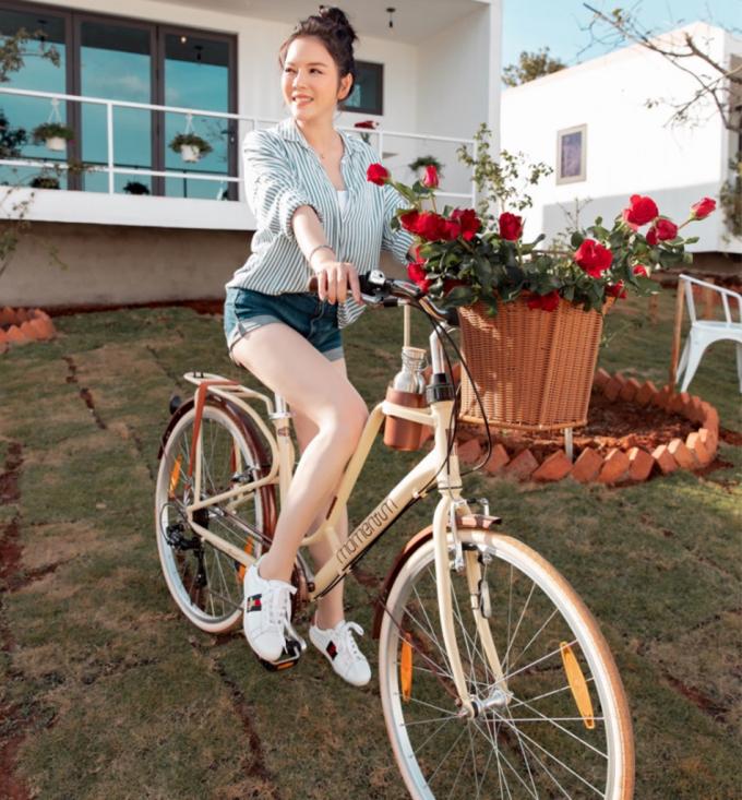 Mỹ nhân Việt hào hứng với trào lưu đạp xe giảm cân: Minh Hằng, Diệp Lâm Anh đều khiến dân tình mê mẩn