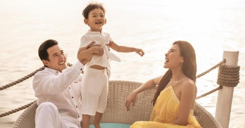 """Nếu cần nạp """"Vitamin hạnh phúc"""", hãy nhìn gia đình nhỏ ngọt ngào Lương Thế Thành – Thúy Diễm"""