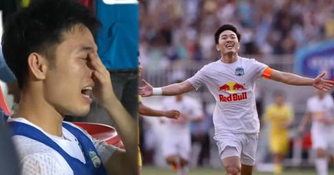 Xuân Trường khóc nức nở sau chiến thắng HN FC, giọt nước mắt dồn nén 6 năm và niềm tin vô địch V.League