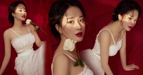 """MC """"Bữa trưa vui vẻ"""" Ngô Mai Phương hóa nàng thơ đẹp không tì vết trong bộ ảnh mới"""